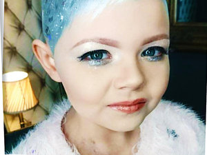 Cara Delevigne i dziewczynka chora na raka