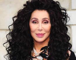 """Niepokojące wieści o stanie zdrowia Cher:""""Wszyscy są przekonani, że leży na łożu śmierci"""""""