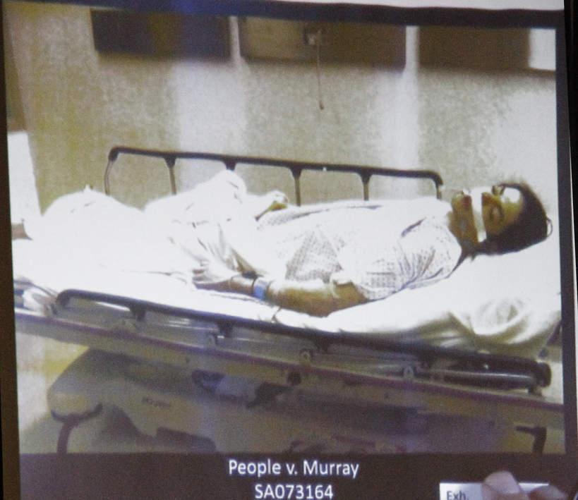 Ciało Michaela Jacksona w szpitalu