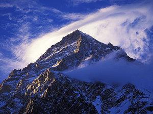 Co się dzieje na K2?