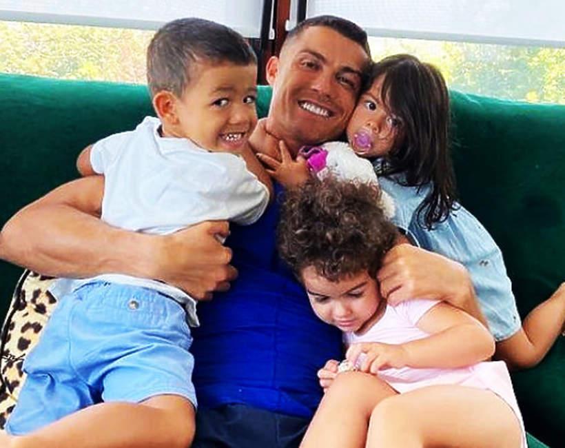 Cristiano Ronaldo, Cristiano Ronaldo z dziećmi