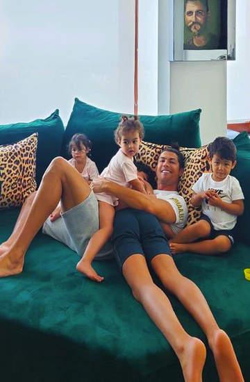Cristiano Ronaldo z dziećmi, dzieci