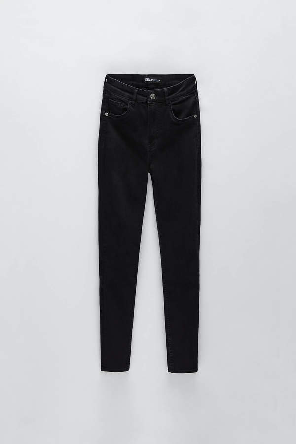 Czarne spodnie w stylu Joanny Opozdy