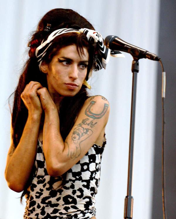 Czy Amy Winehouse popełniła samobójstwo? Teoria fanów