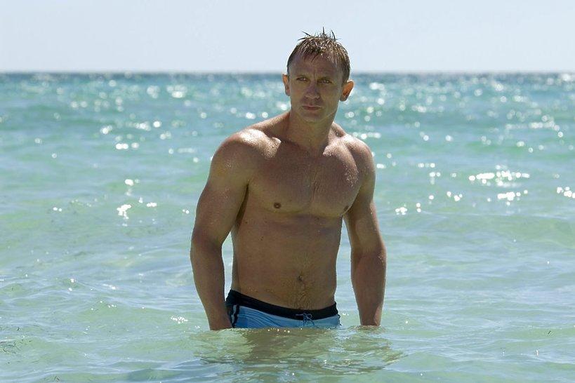 Daniel Craig w słynnej scenie jako Bond