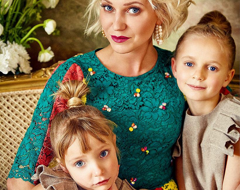 Daria Ładocha, Daria Ładocha z córkami, Viva! czerwiec 2018