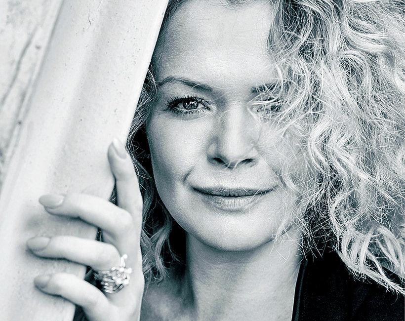 Daria Widawska, VIVA! 19/2016, jamnik