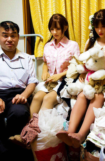 Dlaczego mężczyźni kochają silikonowe lalki? To moda w Japonii