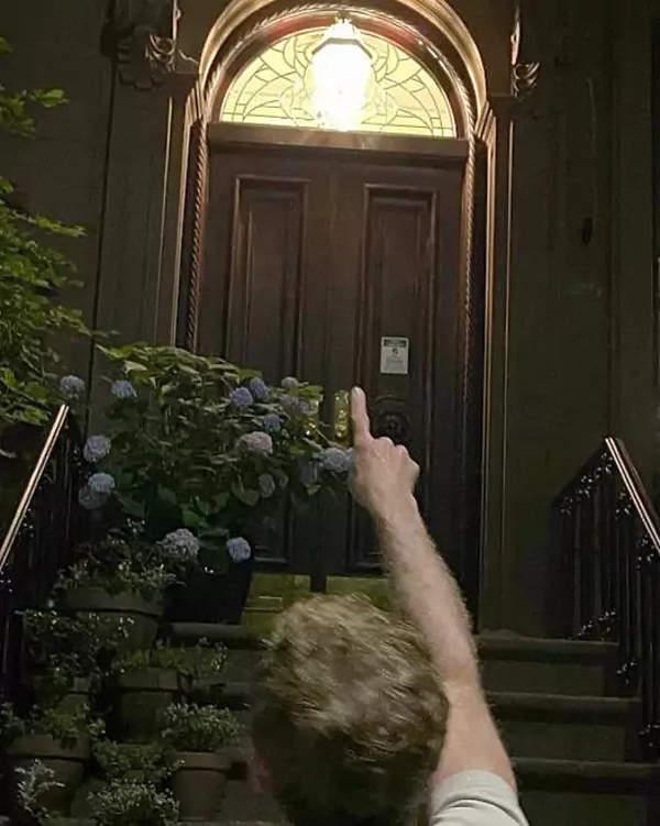 Dom Carrie Bradshaw