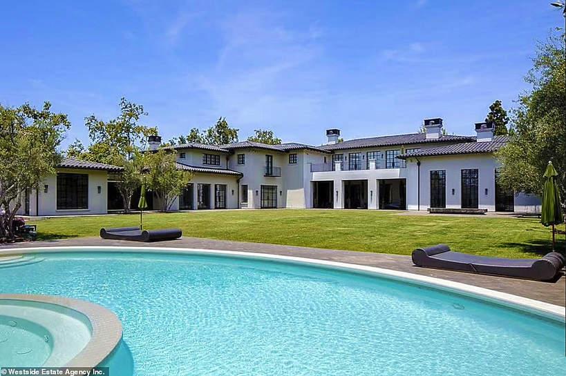 Dom J.Lo i Bena Afflecka basen