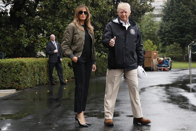 Donald i Melania Trump na terenie Białego Domu