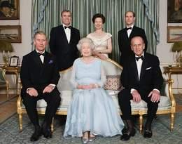 Ekspertka od mowy ciała przeanalizowała relacje Elżbiety II z dziećmi. Te 7 zdjęć mówi wszystko!
