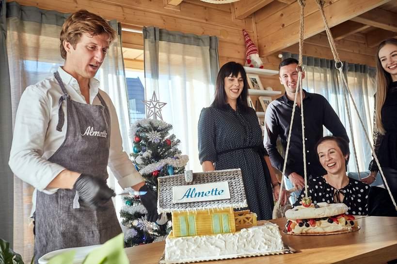 Eko dom Almette w Tatrach - przekazanie kluczy zwyciężczyni loterii