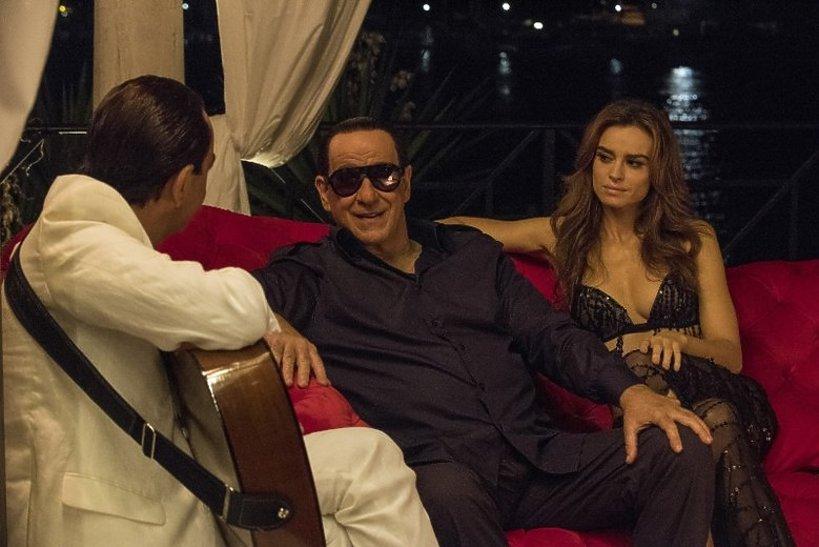 Film Oni, Paolo Sorrentino o Silvio Berlusconim