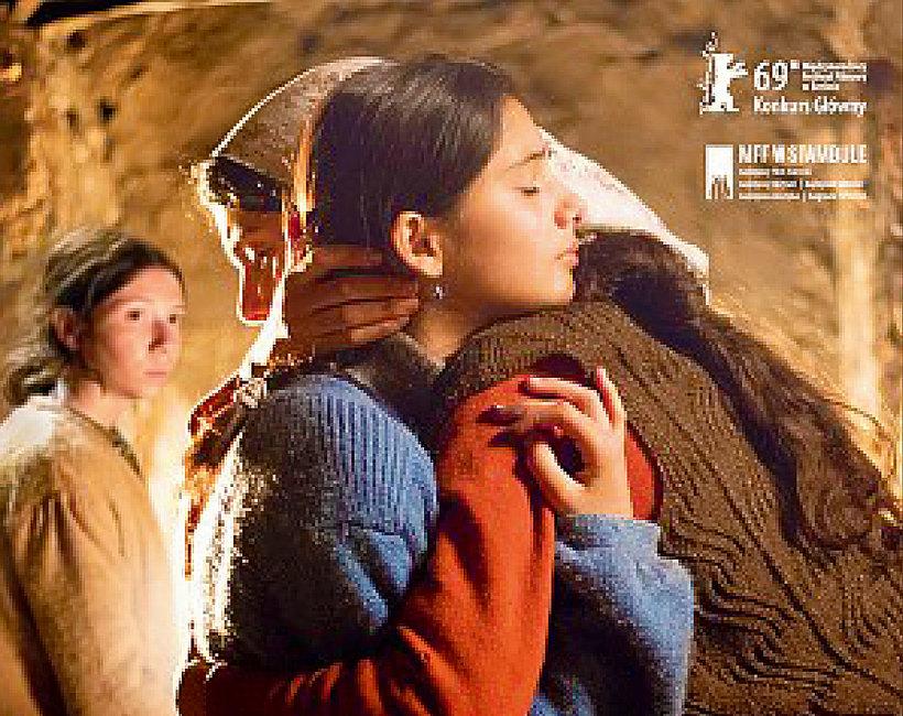 Film Opowieść o trzech siostrach plakat