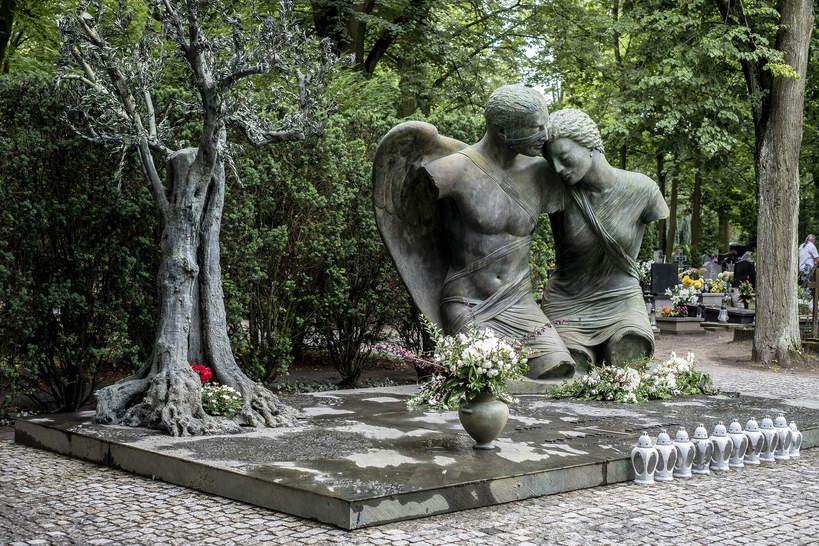 Grób Jana Kulczyka rzeźby