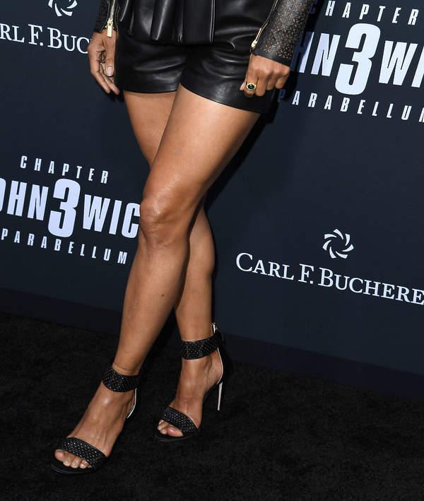 Halle Berry smukłe nogi