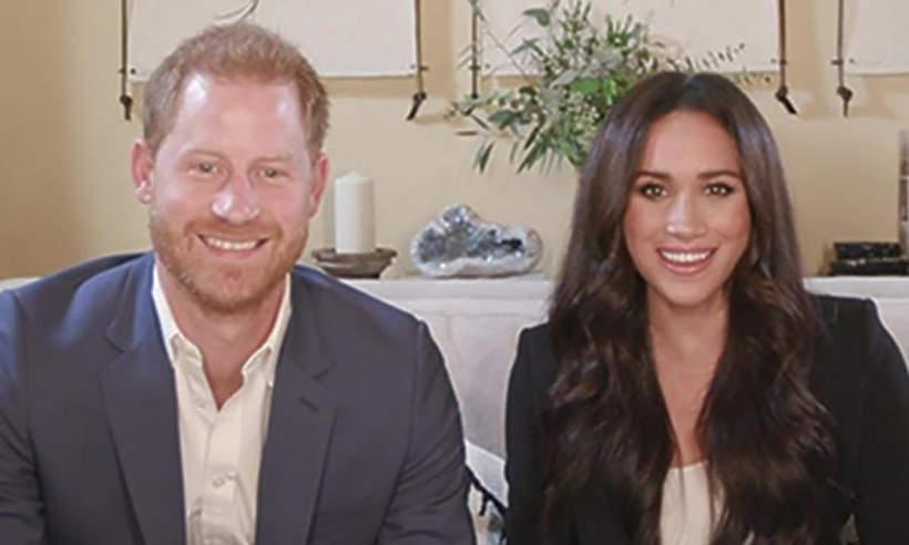 Harry i Meghan w salonie
