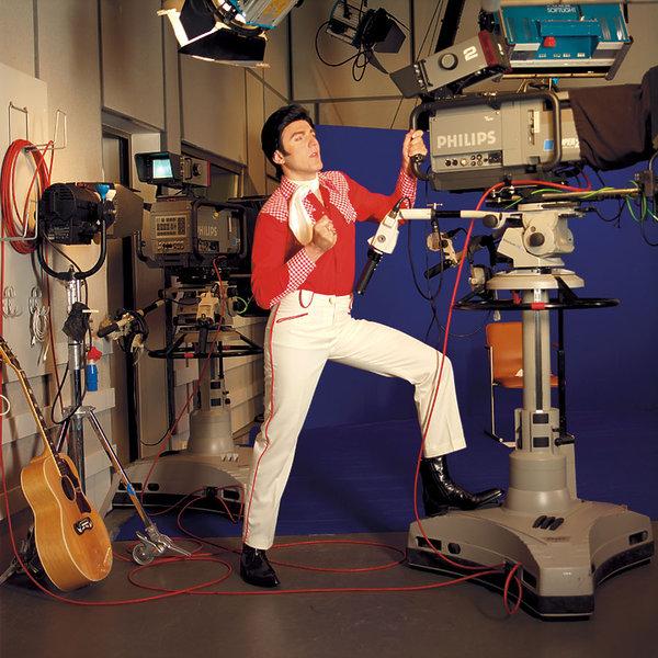Hubert Urbański jako Elvis Presley, VIVA! sierpień 2002