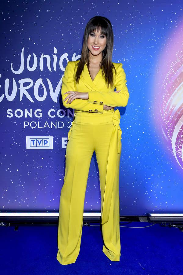 Ida Nowakowska w garniturze w ciąży 2021