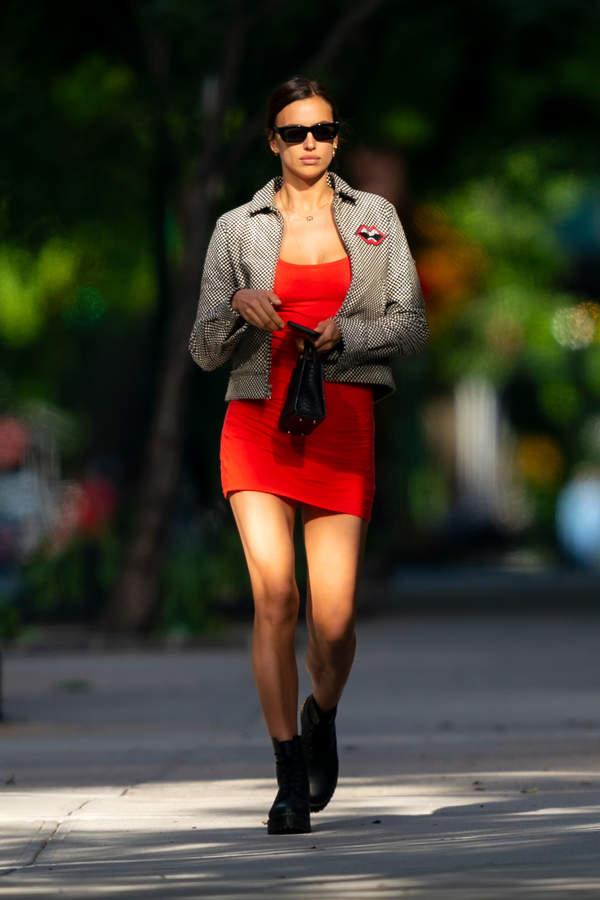 irina-shayk-w-czerwonej-sukience-mini-podobna-znajdziesz-w-hm-za-39-zlotych