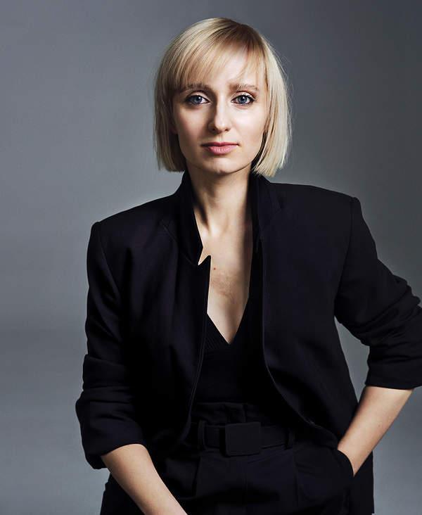 Izabela Janiszewska, autorka kryminalnej trylogii