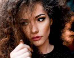 Jak nawilżyć włosy krok po kroku i przywrócić im blask?