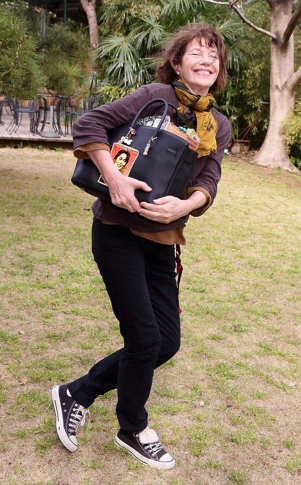 Jane Birkin z torbą Birkin, 2013