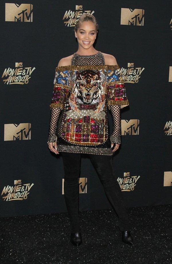 Jasmine Sanders w sukience od Balmain