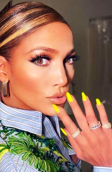 Jennifer Lopez neonowe paznokcie