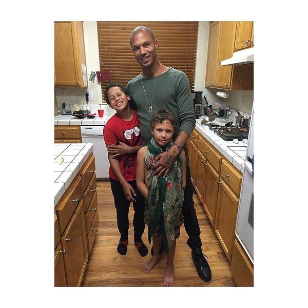 Jeremy Meeks z synami