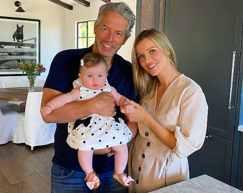 Joanna Krupa z córką i mężem
