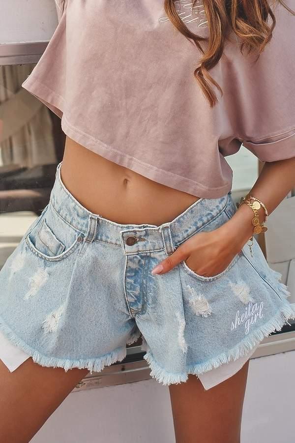 joanna-opozda-w-seksownych-jeansowych-szortach-podobne-kupisz-w-zara-za-89-zl