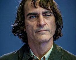 Joaquin Phoenix jako Joker, czyli przerażający klaun i śmiertelny wróg Batmana...