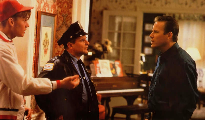 John Heard, Kadr z filmu Kevn sam w domu