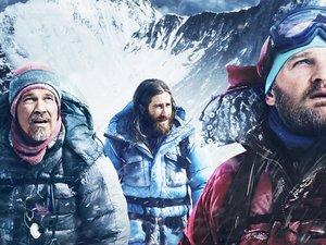 Josh Brolin, Jake Gyllenhaal i Jason Clarke wspinają się Mount Everest w filmie Everest