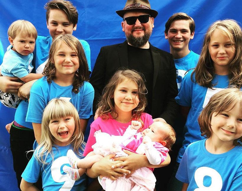 Joszko Broda z dziećmi