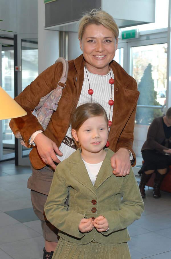 Julia Królikowska 2007 w dzieciństwie, z mamą Małgorzatą