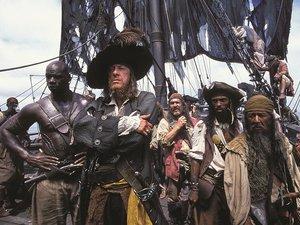 kadr z filmu Piraci z Karaibów: Klątwa czarnej perły