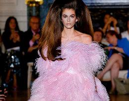 O tej fryzurze Kai Gerber z pokazu Valentino mówią wszyscy!