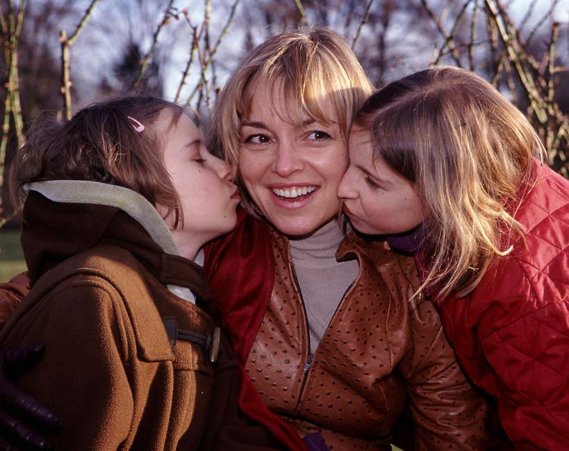 Katarzyna Chrzanowska z córkami, 2005