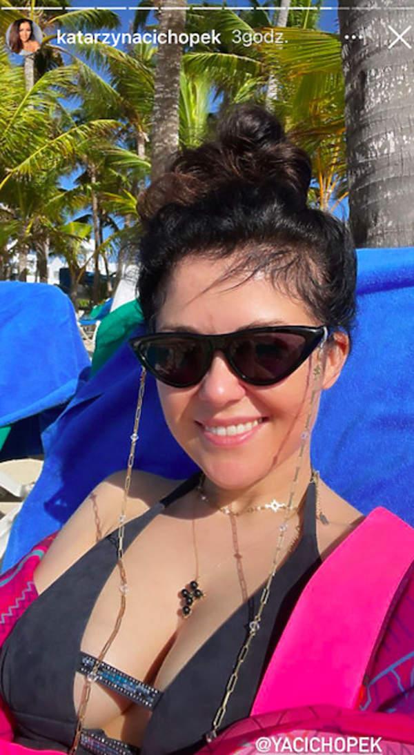 Katarzyna Cichopek kusi biustem na Dominikanie