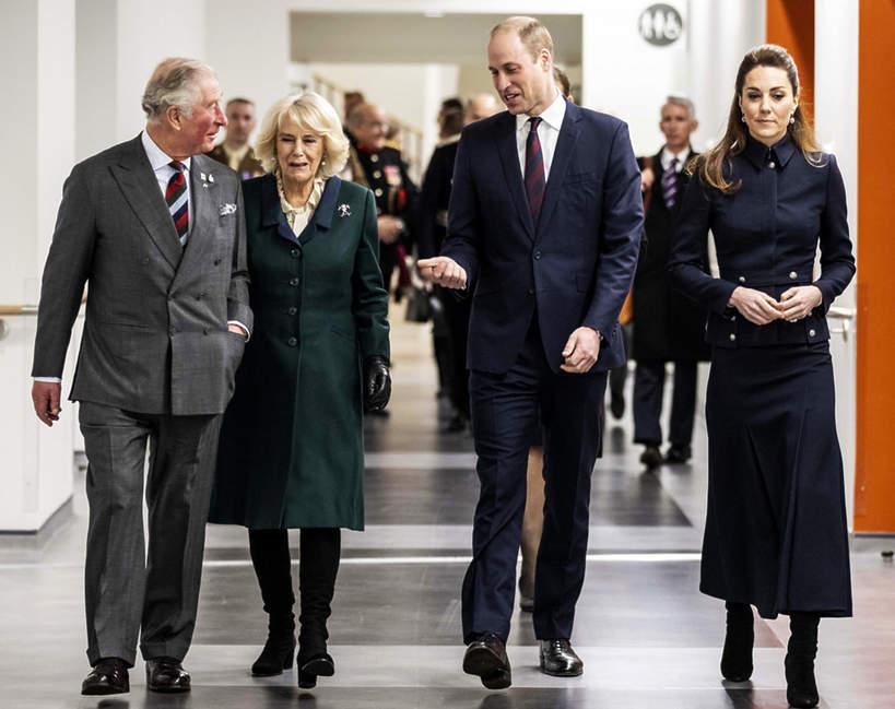 Kate, William, Karol, Camilla, rodzina królewska