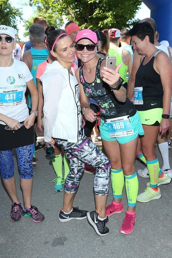 Kinga Rusin z uczestnikami Maratonu Mazury