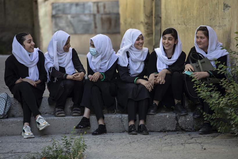 Kobiety w Afganistanie stracą prawo do edukacji? Eksperci alarmują