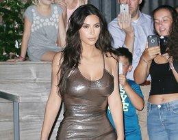 Kontrowersyjne stylizacje Kim Kardashian