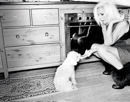 Kora z psem, Viva! listopad 2012