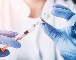 Czy ozdrowieńcy powinni szczepić się na koronawirusa? Ekspert nie ma wątpliwości