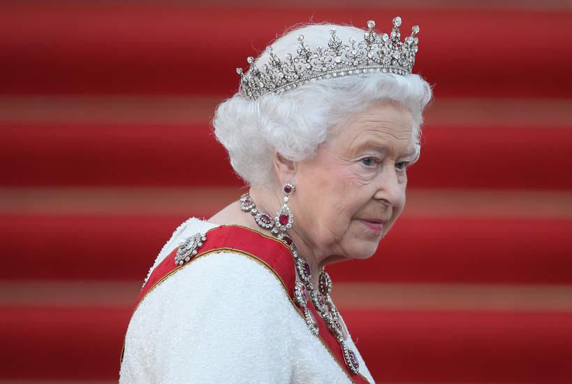 królewskie tytuły: Elżbieta II
