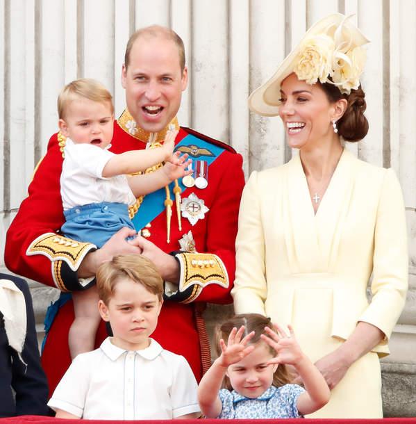 królewskie tytuły: George, Charlotte, Louis